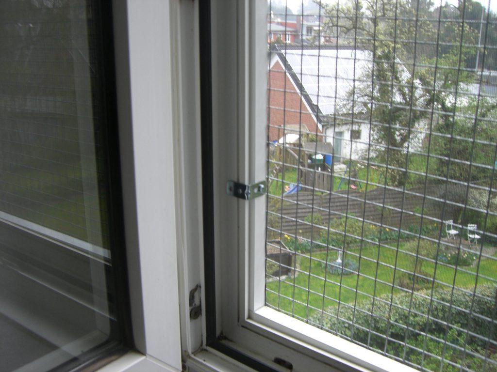 Fenstersicherung für Katzen