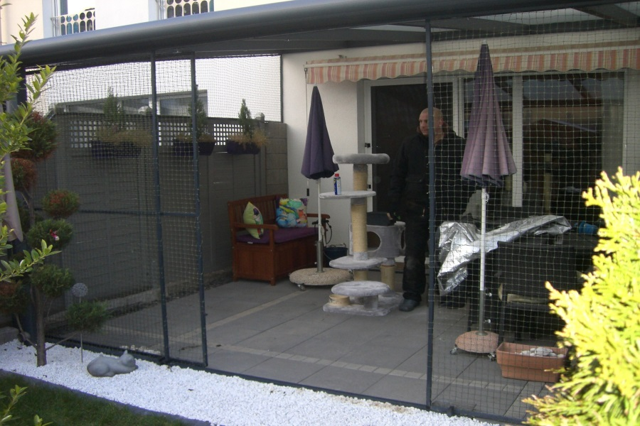 terrassenvernetzung beispiele und bilder katzennetz profi. Black Bedroom Furniture Sets. Home Design Ideas